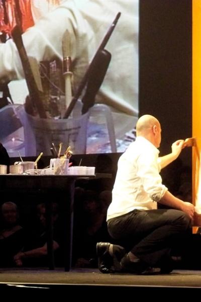 Fred Kleinberg Performance picturale sur scène, 2010. Cité Internationale des Congrès de Nantes