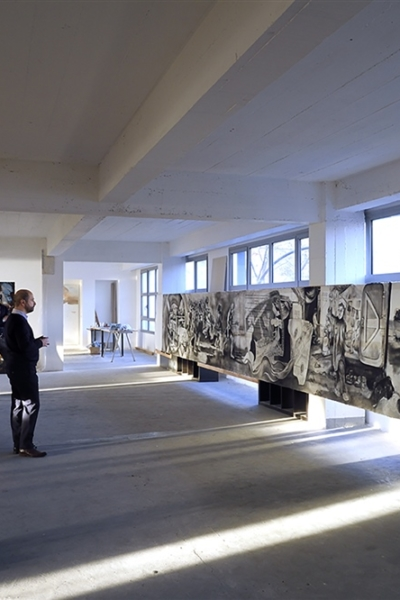 Visite de l'atelier, preparation de l'exposition Odyssée, 2016. Photo Bertrand Rieger.